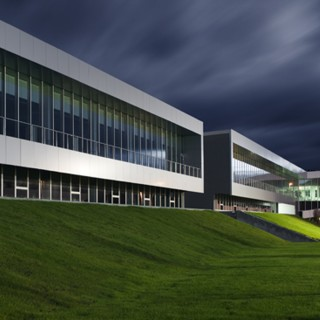 AIC - AUTOMOTIVE INTELLIGENCE CENTER - fachada Boroa